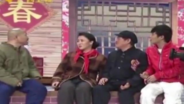 【视频】小品:王小利爆赵本山捐善款真相,讨要误捐一万二,赵本山落荒而逃