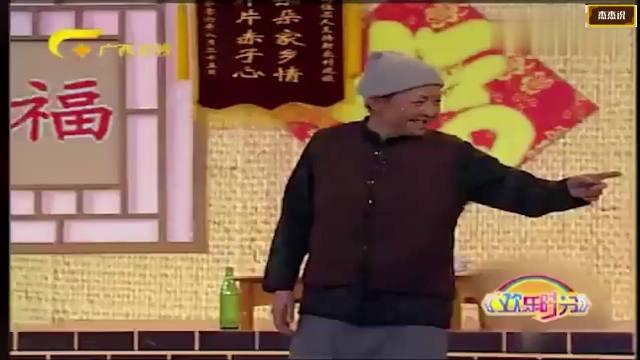 【视频】爆笑小品,小品刚开始宋丹丹就狂飚经典台词,观众笑的前仰后合