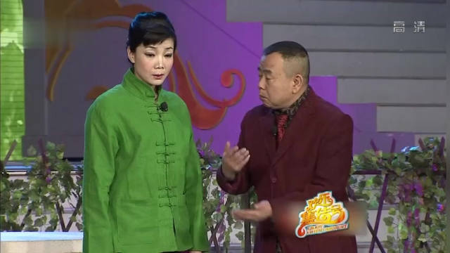 【视频】小品:难怪潘长江不高兴,被媳妇调侃长得矮又丑,他的回应真给力