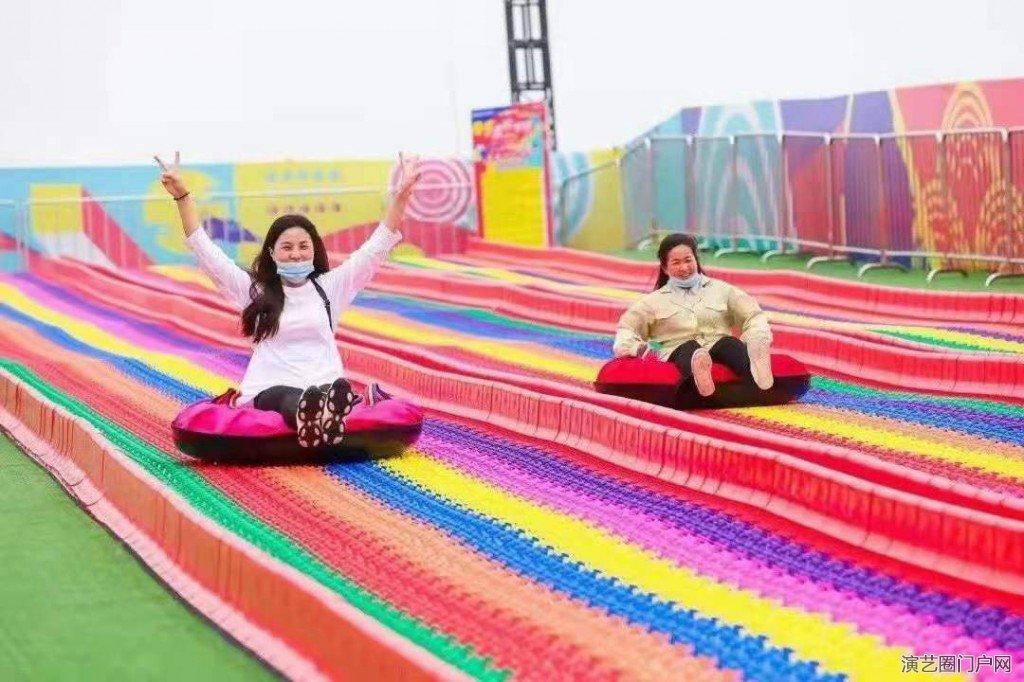 小型游玩项目七彩滑道出租旱雪滑道租赁彩虹滑道出售